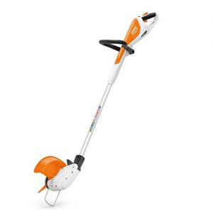 Compact cordless grass trimmer for trimming lawn edges. Integrated battery with charge level indicator, loop handle with tool free adjustment, adjustable angle mowing head for lawn edging. Easy to switch between PolyCut blades and mowing lines without changing the head.