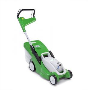 Light cordless lawn mower with mono-comfort handle. Lightweight and maneuverable cordless lawn mower. This compact mower is perfect for smaller gardens and thanks to the mono-comfort handle, emptying the 40 l grass catcher box has never been so easy. The central, six stage cutting height can be easily adjusted between 20-70mm.