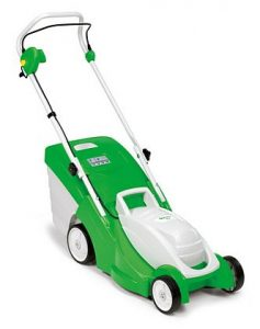 """Light and manoeuvrable electric lawn mower.The VIKING ME 339 features a powerful 1200 Watt electric motor, practical foldable 40 litre grass catcher box and compact and robust polymer housing. With a cutting width of 37cm (14.5""""), the ME 339 is ideal for gardens with lawns up to 500m² and for inaccessible areas."""
