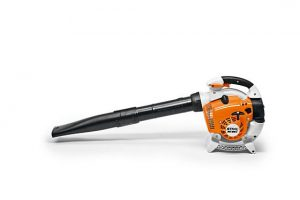 Suitable for clearing large areas of leaves and grass, suitable for use in very dusty areas, thanks to the new HD2 filter. Comes with round nozzle, flat nozzle, STIHL anti-vibration system, STIHL ElastoStart, 2-MIX engine, locking throttle lever with stop button.